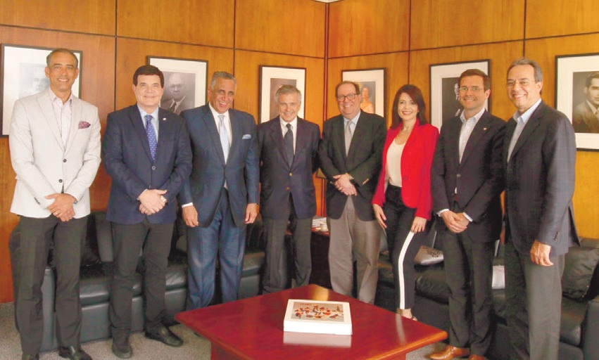 IOC VICE-CHAIR VISITS D.R; CONVERSES WITH CRESO